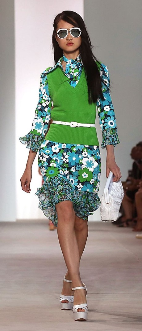 PANTONE Greenery on Runway (2)