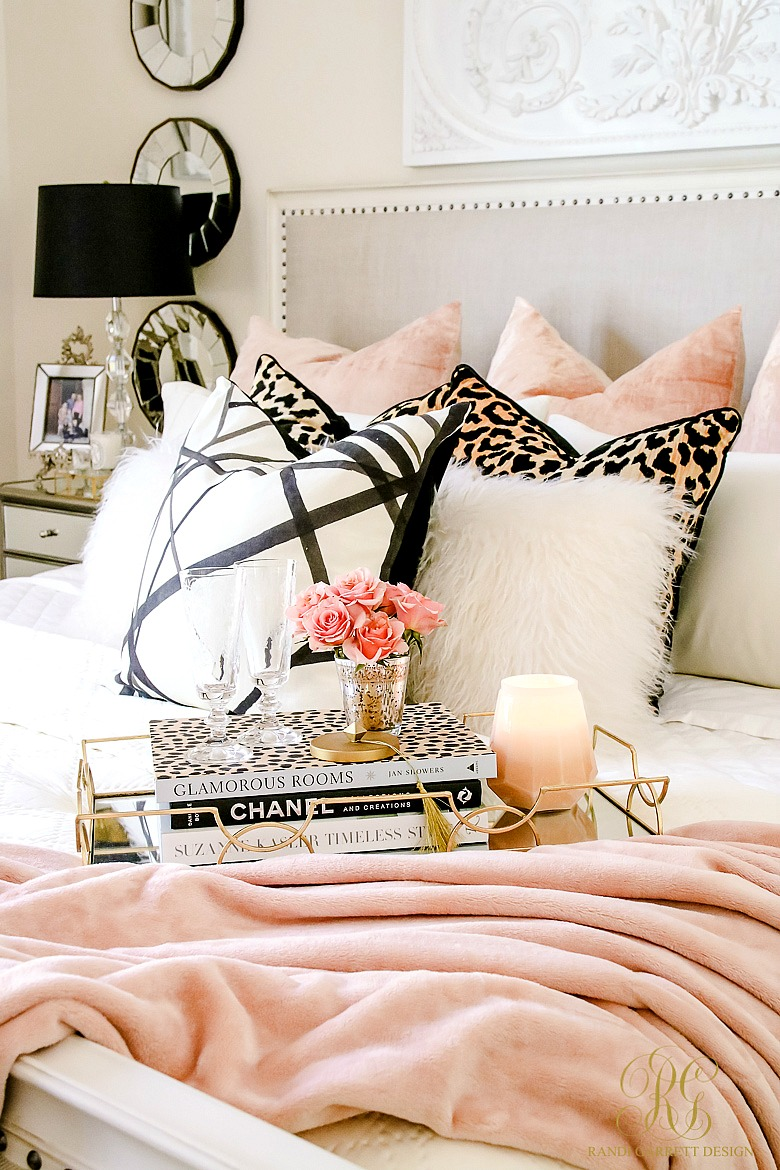 velvet-black-pink-bedroom-glam-bedroom-ideas